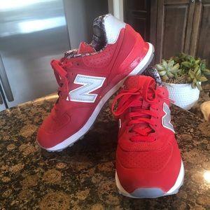 Women's new balance tennis shoes. Size 10